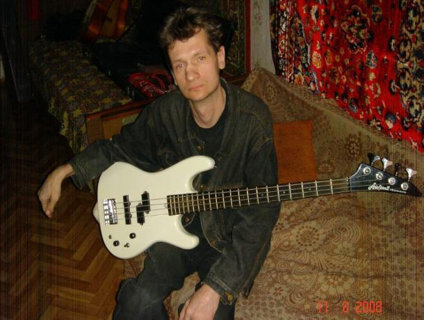 В Воронеже умер бас-гитарист «Сектора Газа»