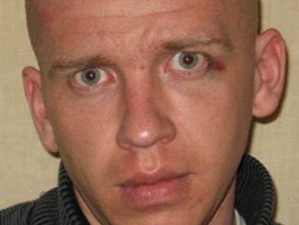 Полиция разыскивает воронежца, ранившего ножом мужчину 9 лет назад