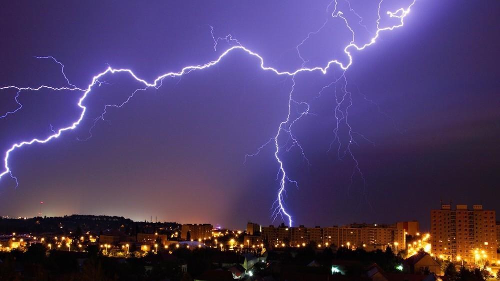 Гроза накроет Воронеж вместе с 20-градусной жарой