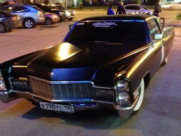 Шикарный Cadillac 1968 года сфотографировали в Воронеже