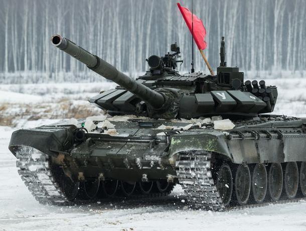 Воронежские офицеры показали экстремальное вождение танков и БТР