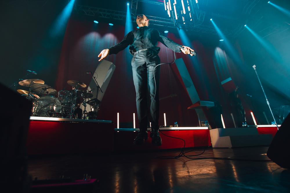 Британская группа Hurts собрала наконцерте вВоронеже неменее 2000 фанатов