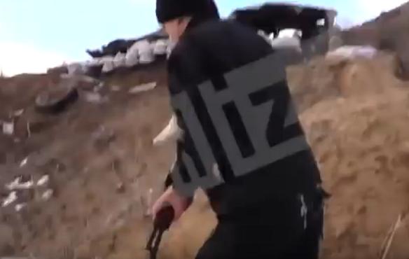 Опубликовано видео, как бойцы ДНР прикрывают воронежского депутата Госдумы
