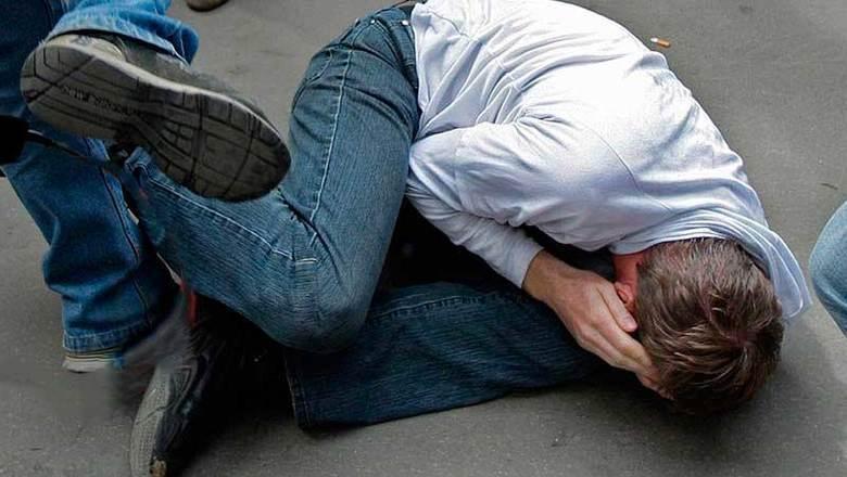 Мужчину жестоко избили из-за девушки в кафе в центре Воронежа