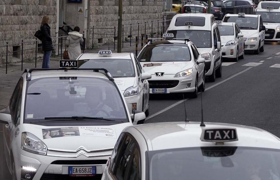 Воронежцам рассказали о ценах на такси и автобусы в аэропортах европейских стран