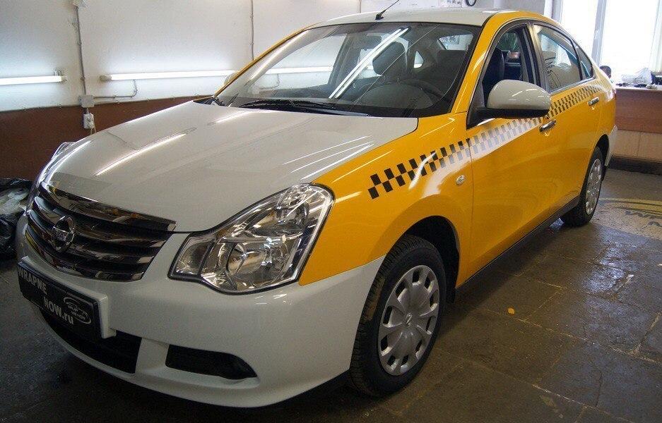 Воронежский таксист едва не покалечил девушку за просьбу добросить на вокзал
