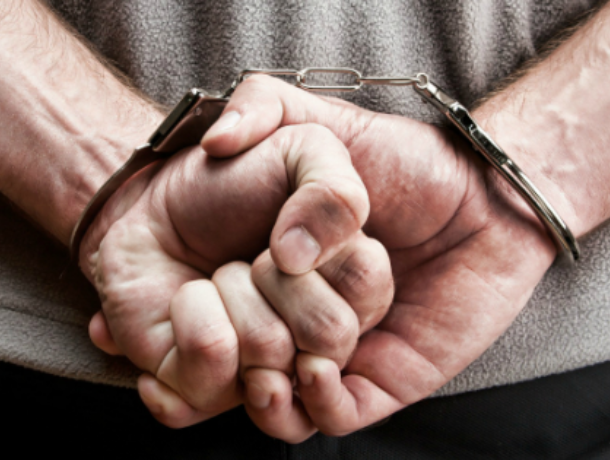Воронежец ответит в суде за издевательства над 13-летней падчерицей