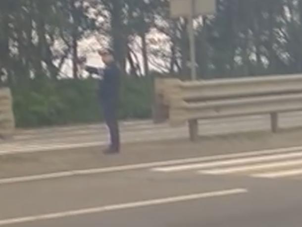 Гаишника из прошлого сняли на видео воронежцы