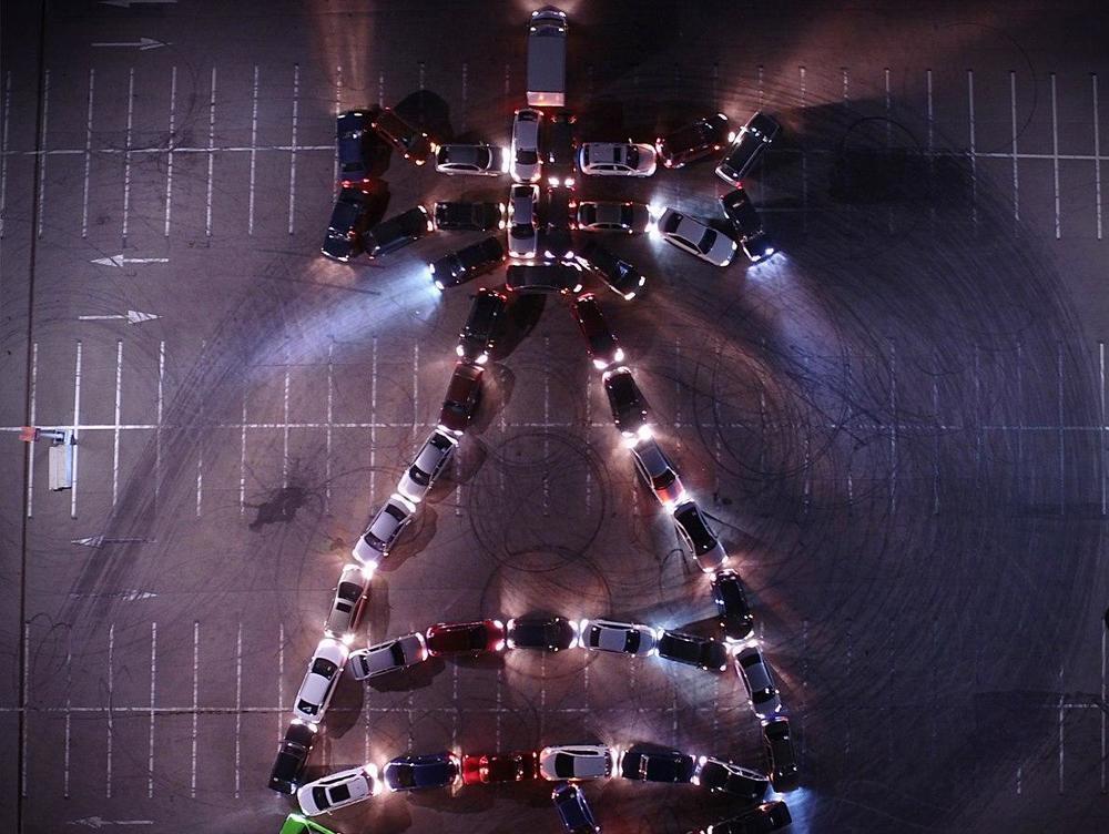 Воронежские автомобилисты устроили грандиозный флешмоб к 1 сентября