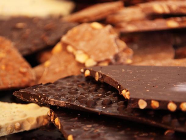 Воронежские таможенники арестовали 100 кг шоколада с нелегальным названием
