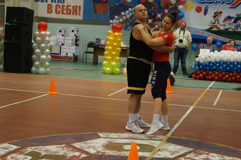 Благотворительный фонд УГМК «Дети России» сплотил семьи Новохоперска спортивно-развлекательным шоу «Семь-Я»