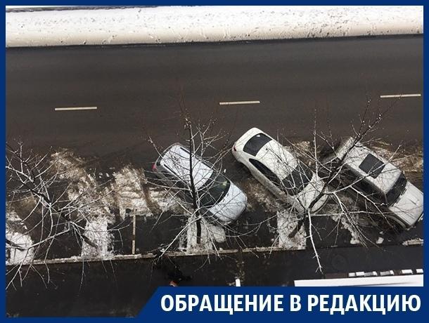 Лень концессионера платных парковок запутала водителей в Воронеже