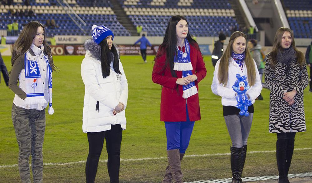 ВВоронеже вперерыве матча выбрали королеву воронежского футбола