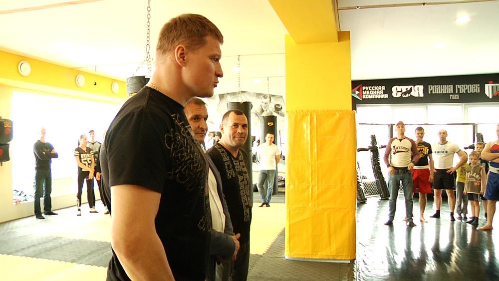 Боксер Поветкин оказался не в состоянии провести мастер-класс в Воронеже
