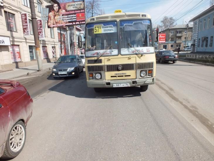 В воронеже 11 летний мальчик попал под автобус